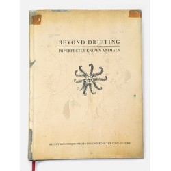 Beyond Drifting, livre photo signé par Mandy Barker