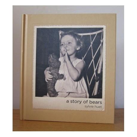 Sylvie Huet - A Story of Bears (Dewi Lewis Publishing, 2014)