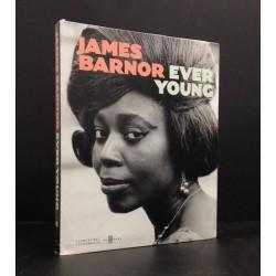 James Barnor - Ever Young (Clémentine de le Féronnière, 2015)