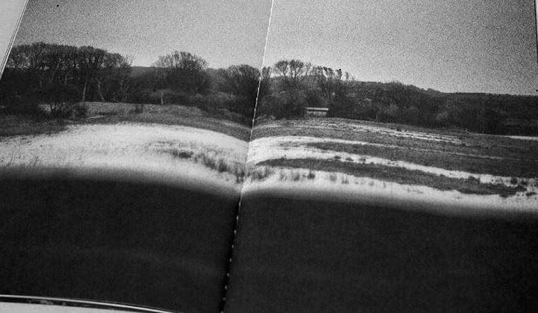 Invisible Waves de Christopher de Béthune chez Dienacht (2020)
